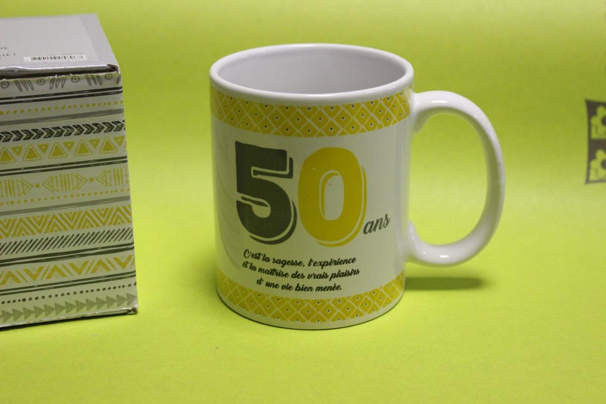 mug anniversaire livraison de cadeau 50 ans moins de10. Black Bedroom Furniture Sets. Home Design Ideas